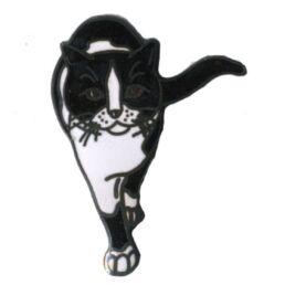 Chat noir et blanc de face-0