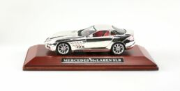 Miniature chromée, Mercedes Mc Laren SLR 1/43