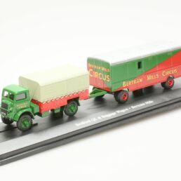 Bedford QL & Baggage Wagon - Bertram Mills 1/76