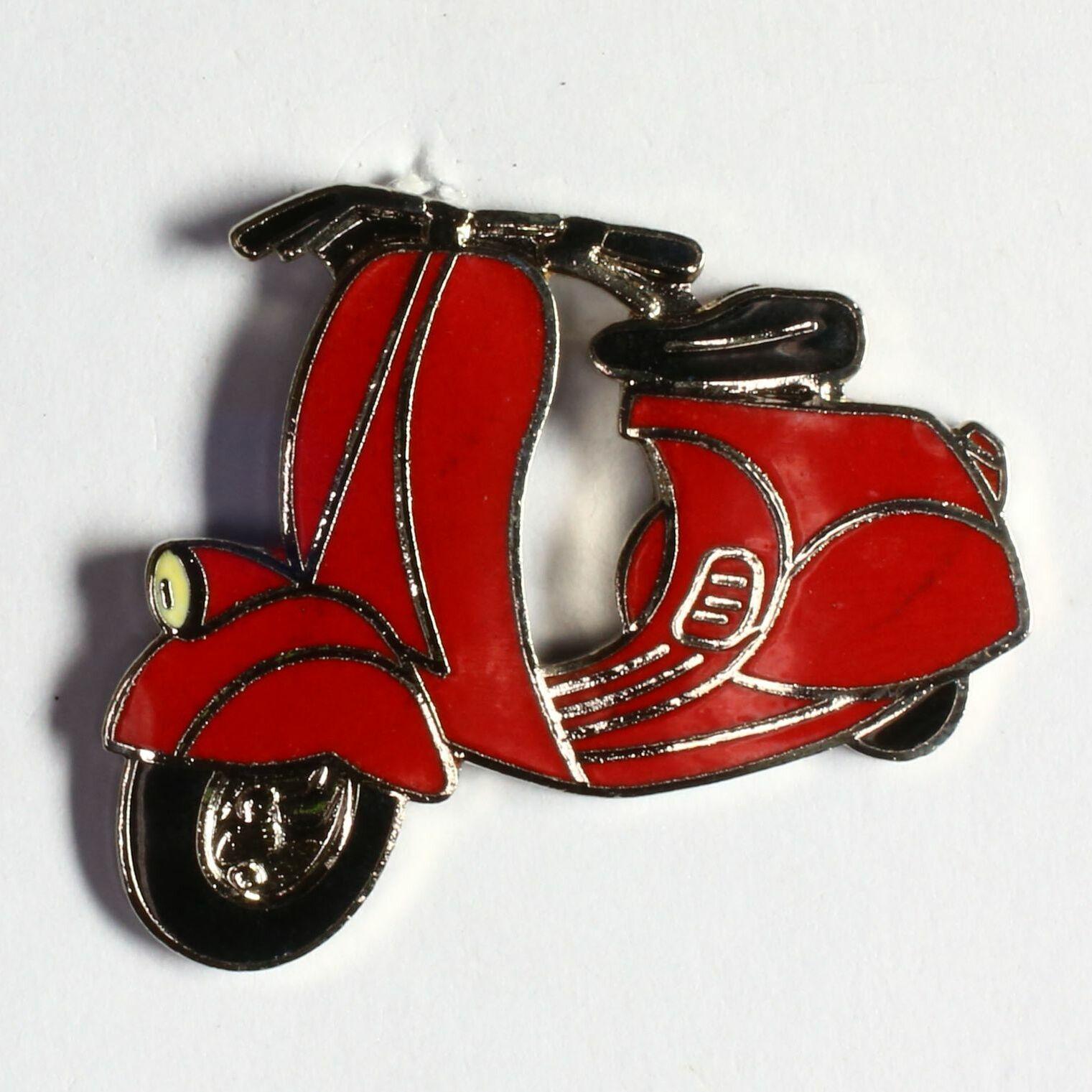 Vespa rouge selle noire