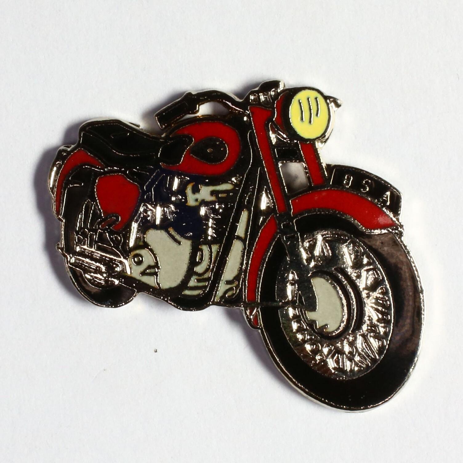 Moto rouge selle noire