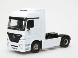 camion Mercedes 1/50