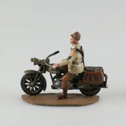 Soldat de la 63ème Division d'infanterie US sur sa Norton Four