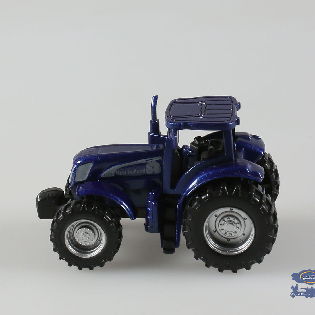 Tracteur New Holland, T 7070, 1/64