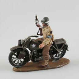 Soldat de l' US Army, Military Police sur sa Harley (Abimée à réparer)